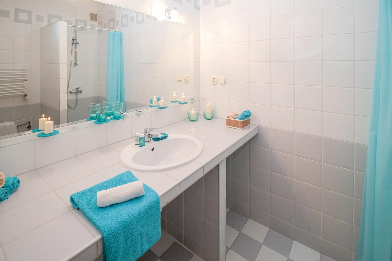 tiszta fürdőszoba, természetes tisztítószerek