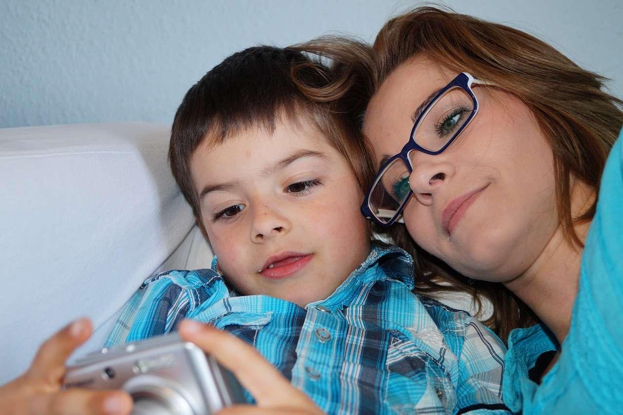 5 szeretetnyelv, szülő-gyermek kapcsolat, gyermekpszichológia